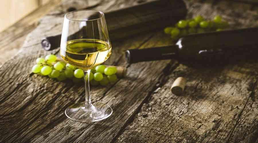 Características del vino blanco seco albariño